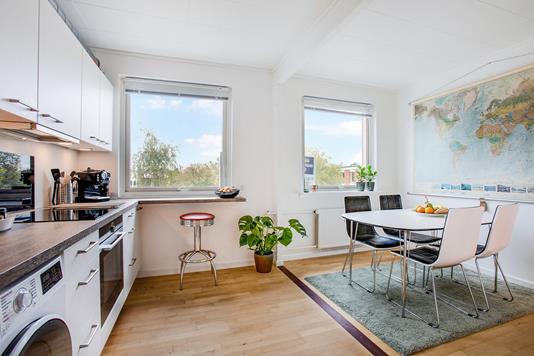 Ejerlejlighed på Lyngborghave i Birkerød - Køkken