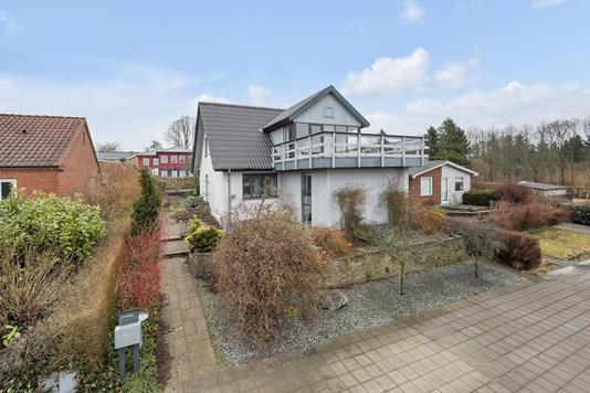Villa på Nylandsvej i Hovedgård - Ejendommen