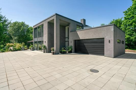 Villa på Nedergårdsvej i Juelsminde - Ejendommen
