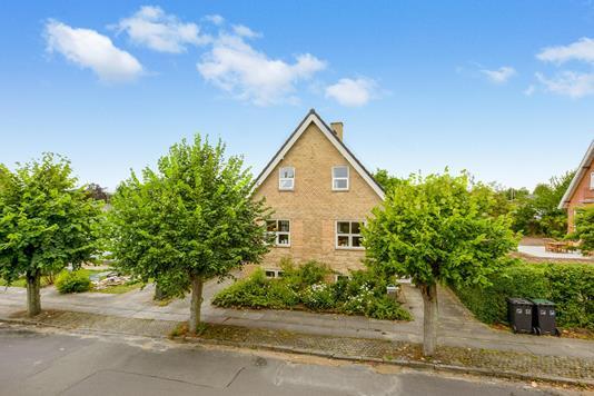 Villa på Nylandsalle i Horsens - Ejendommen