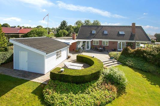 Villa på Egesholm i Horsens - Set fra haven