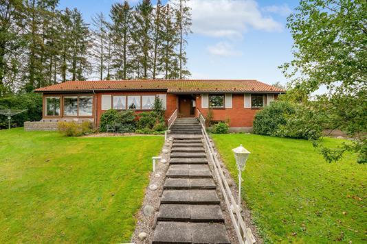 Villa på Møllebakken i Rask Mølle - Ejendommen