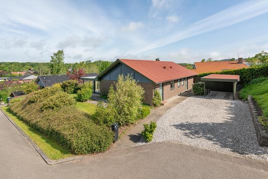 Villa på Tornbjerg i Hovedgård - Ejendommen