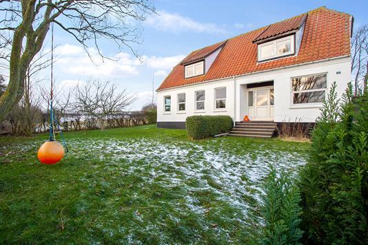 Villa på Nordre Borrelyngvej i Allinge - Ejendommen
