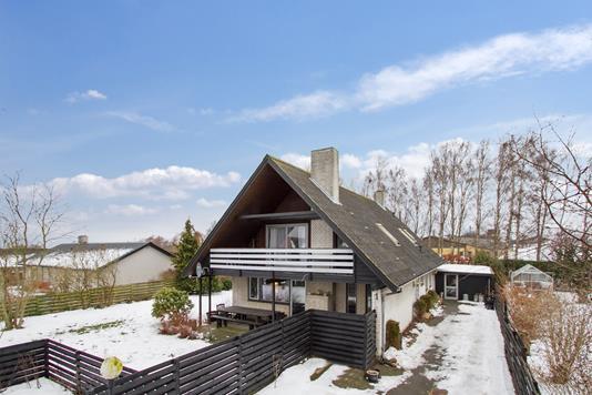 Villa på Toftekrogen i Hasle - Ejendommen