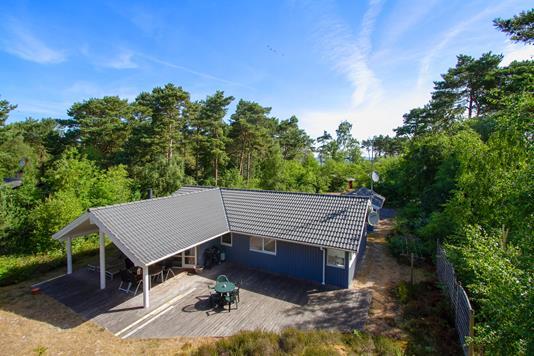Fritidsbolig på Frederiksvej i Nexø - Set fra haven