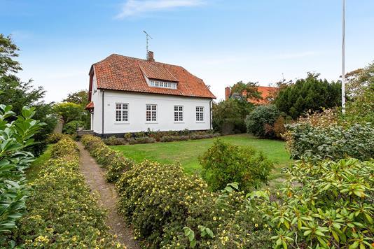 Villa på Haslevej i Rønne - Set fra haven