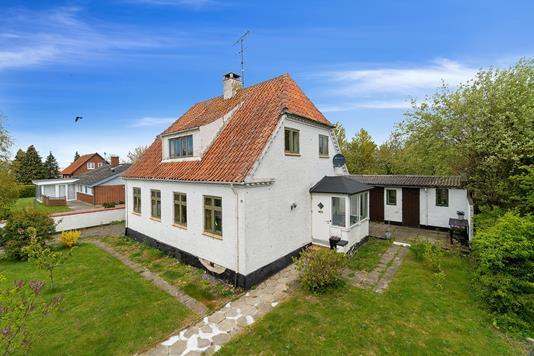 Villa på Vesterbro i Aakirkeby - Set fra haven