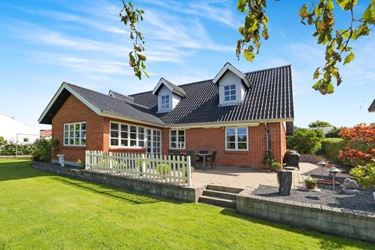 Villa på Snebærvej i Svenstrup J - Hus