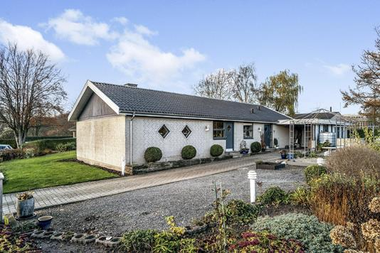 Villa på Traverbakken i Svenstrup J - Ejendommen