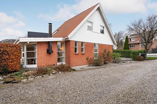 Villa på Tostrupvej i Svenstrup J - Ejendommen