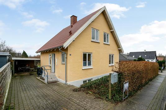 Villa på Gærdesangervej i Svenstrup J - Ejendommen