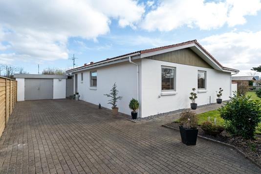 Villa på Dalby Alle i Svenstrup J - Ejendommen