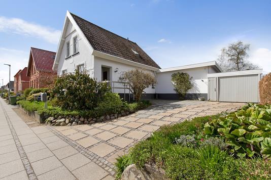 Villa på Carl Plougs Vej i Kolding - Set fra vejen