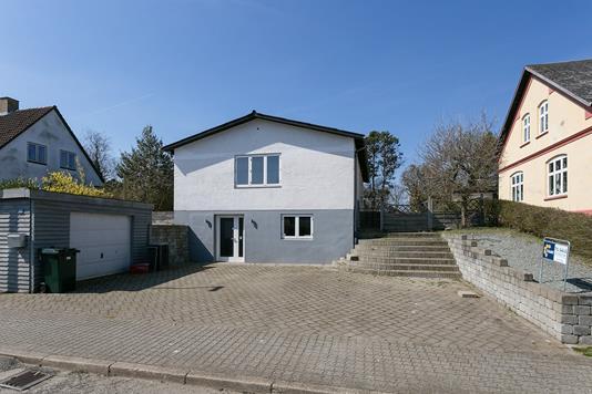 Villa på Nørregade i Lunderskov - Set fra vejen