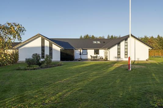 Villa på Hvidkløvervej i Brørup - Ejendommen
