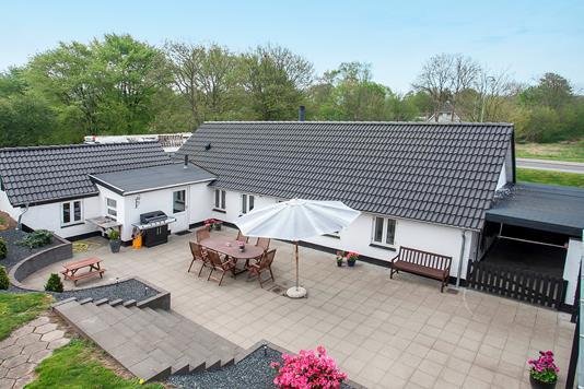 Villa på Kirkevej i Vamdrup - Ejendommen