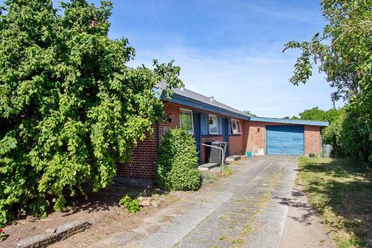 Villa på Mejsevej i Viborg - Set fra vejen