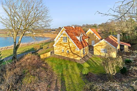 Villa på Rogenstrupvej i Løgstrup - Set fra haven