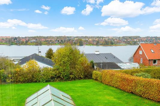Villa på Houlkærshøjen i Viborg - Ejendommen