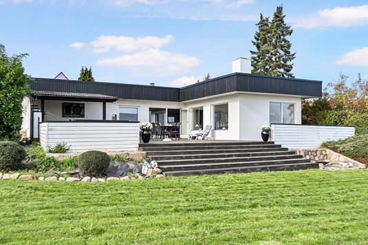 Villa på Mikkelhøj i Karrebæksminde - Ejendom 1