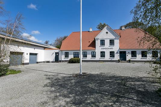 Landejendom på Løntvej i Haderslev - Set fra vejen