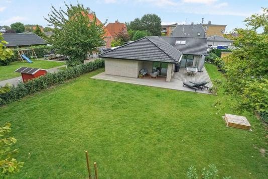 Villa på Nøddehaven i Valby - Ejendommen