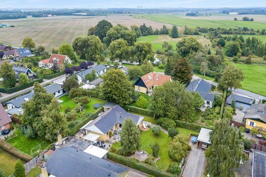 Villa på Degnetoften i Smørum - Luftfoto