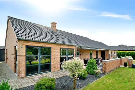 Villa på Stejlgårdsparken i Bramming - Set fra haven