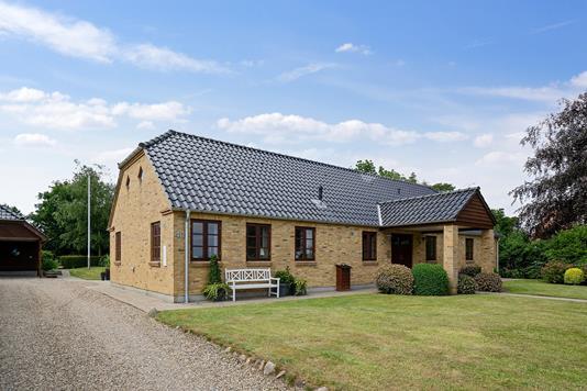 Villa på Kjærgårdsvej i Bramming - Set fra vejen