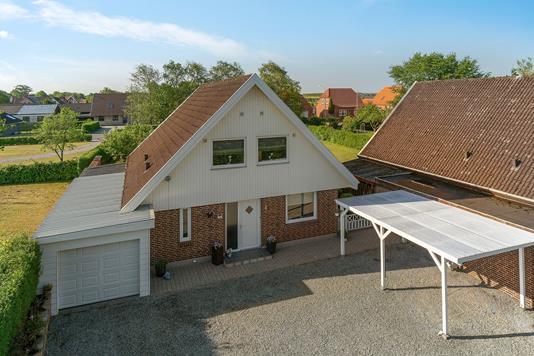 Villa på Tværgade i Gørding - Set fra vejen