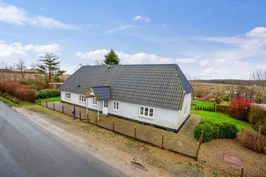 Villa på Sdr Lourupvej i Gørding - Set fra vejen