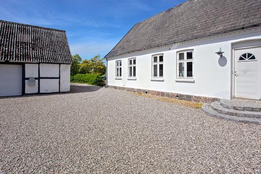 Villa på Hørsholmvej i Kvistgård - Set fra vejen