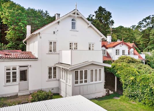 Villa på Strandvejen i Snekkersten - Andet