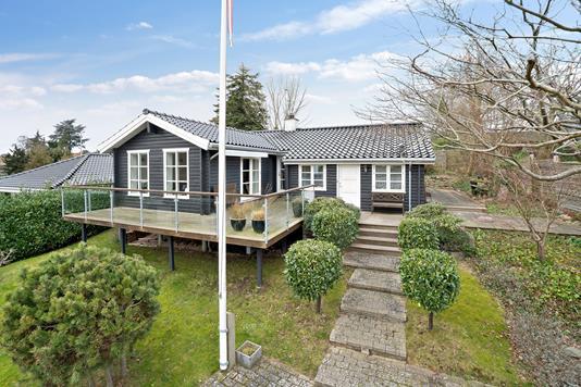 Villa på Tibberupgårdsvej i Espergærde - Set fra vejen