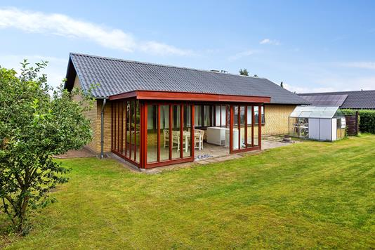 Villa på Stubmarken i Græsted - Set fra haven