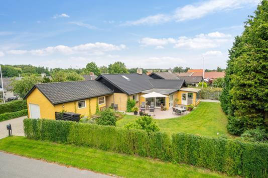 Villa på Ulstrupparken i Helsingør - Set fra vejen