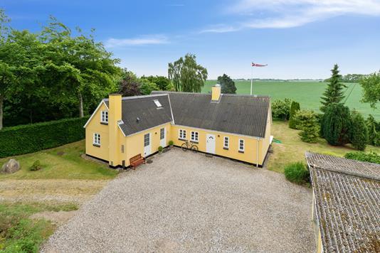 Villa på Rødeled i Bogense - Set fra vejen