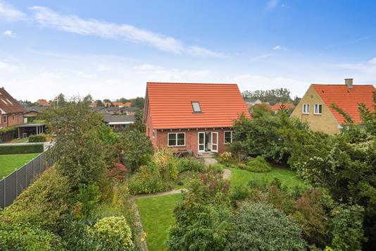 Villa på Lindøvej i Bogense - Set fra haven