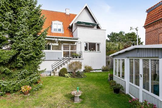 Villa på Vestensborg Alle i Nykøbing F - Set fra haven