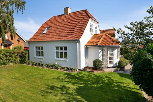 Villa på Nykøbingvej i Nykøbing F - Set fra haven