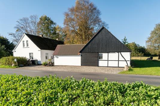 Villa på Nyvejen i Eskilstrup - Set fra vejen
