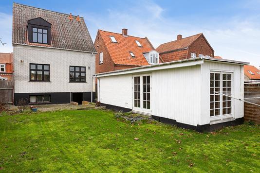 Villa på Gedservej i Nykøbing F - Set fra haven