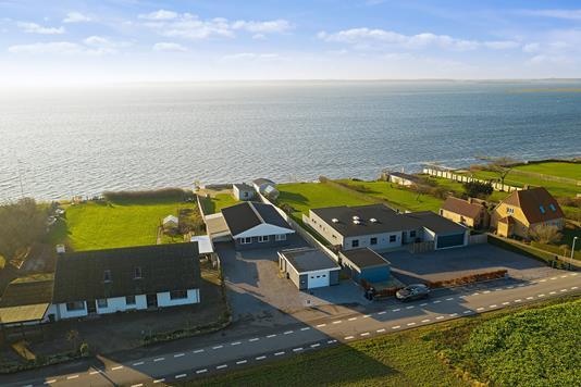 Villa på Hasseløvej i Væggerløse - Luftfoto