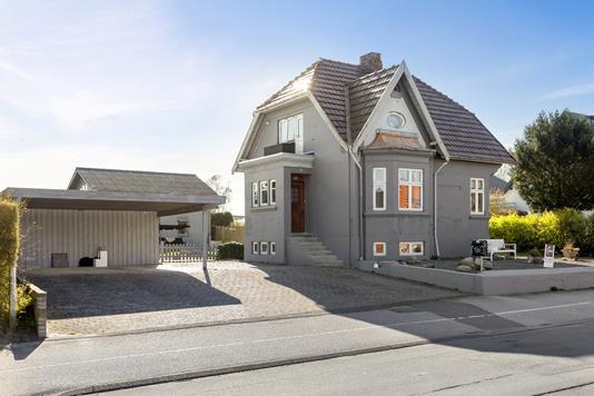 Villa på Møllevej i Sakskøbing - Set fra vejen