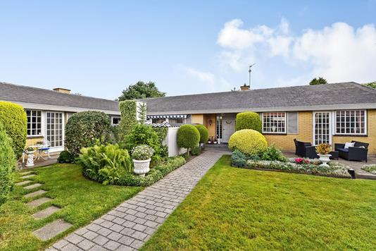 Villa på Hassellien i Randers NV - Ejendommen