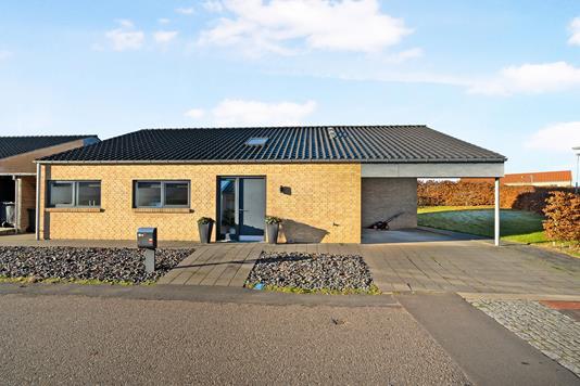 Villa på Tusindfryddalen i Randers NØ - Ejendommen