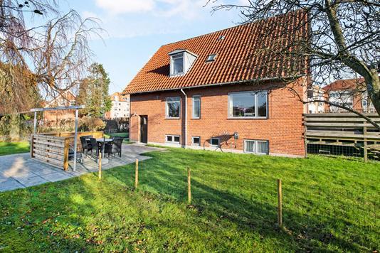 Villa på Ymersvej i Randers NV - Ejendommen