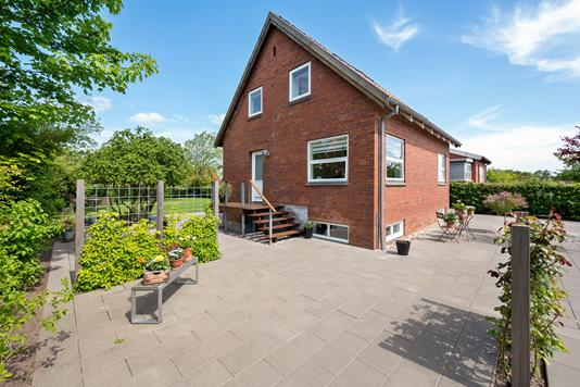 Villa på Bækkelundsvej i Randers NØ - Ejendommen