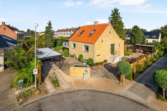 Villa på Møllevænget i Kongens Lyngby - Ejendommen